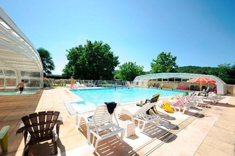 Campsite france lot photos and videos of the 4 star le for Camping cahors piscine
